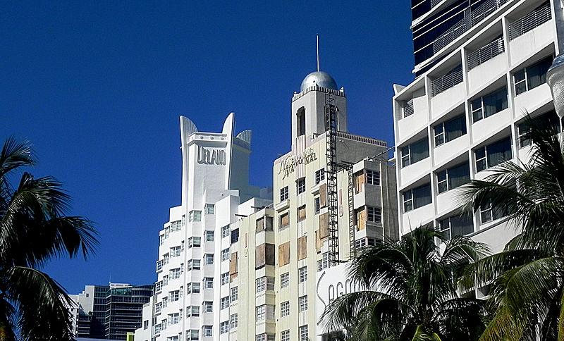 800px-Delano_Hotel_-_Miami
