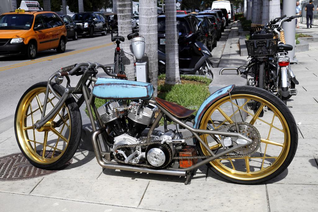 moto parcheggio