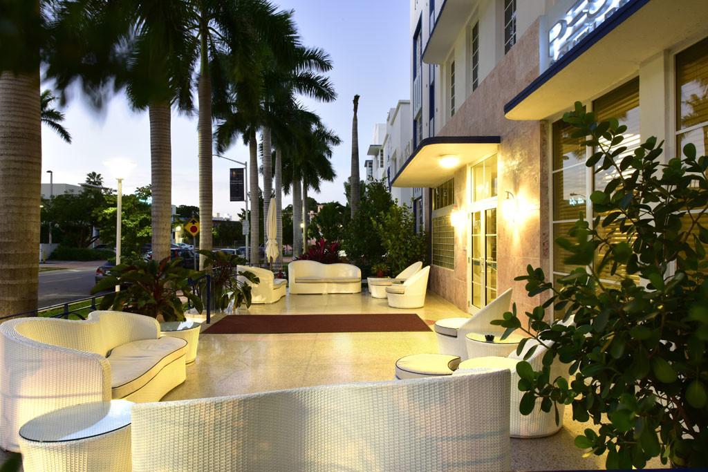Hotel Pestana Entrance 1